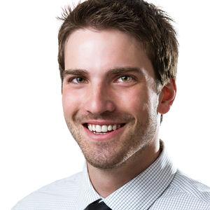 ۳۰۰px-Linkedin_Professional_Profile_Photo