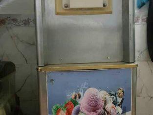 دستگاه بستنی قیفی پمپی