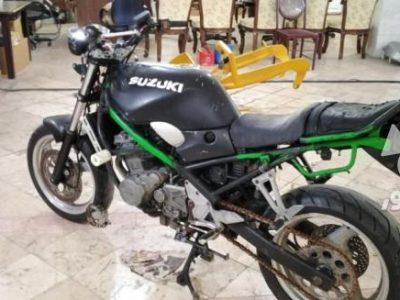 موتور سیکلت سوزوکی ۴۰۰
